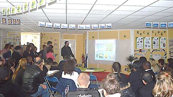 Xavier présente les micro-projets de Beauvais
